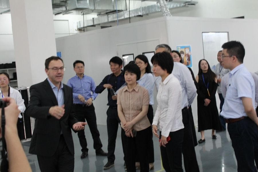 ELEMASTER SHANGHAI WELCOMED MRS. GUO FANG, NEW GOVERNOR OF THE FENGXIAN DISTRICT